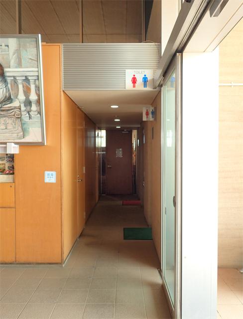 ヴィアッヂオの横にトイレ