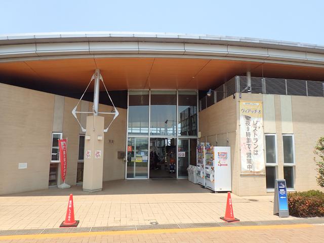 施設東側入口