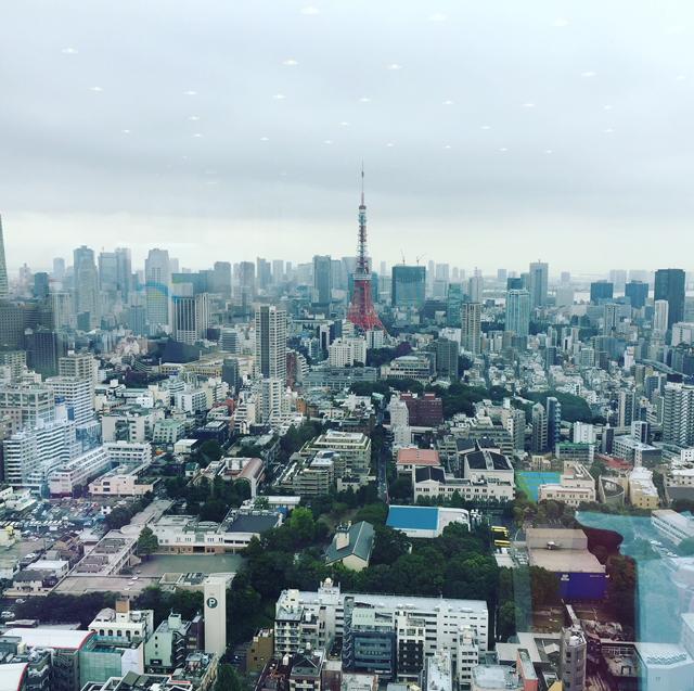 待っている間に東京タワーをパチリ
