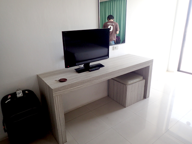 Welcome Plaza Hotel Pattaya room TV