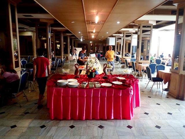 ウェルカムプラザホテルの朝食会場