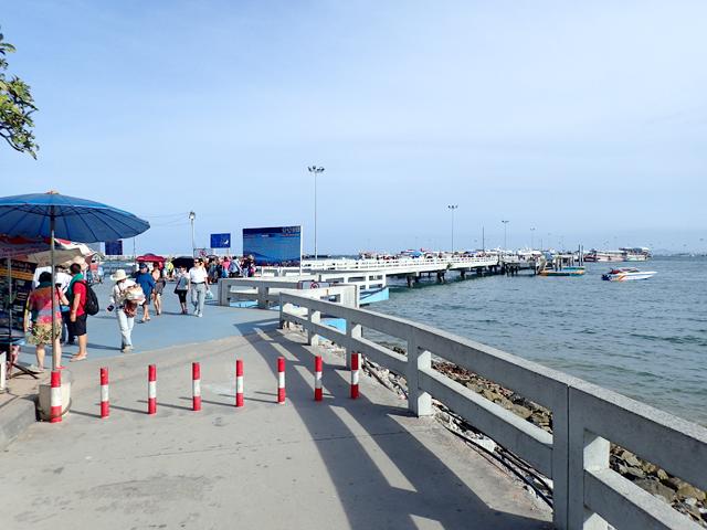 バリハイ埠頭入り口付近