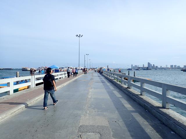 バリハイ埠頭の桟橋