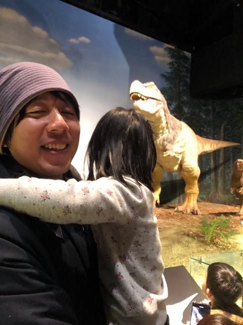 恐竜で泣く優