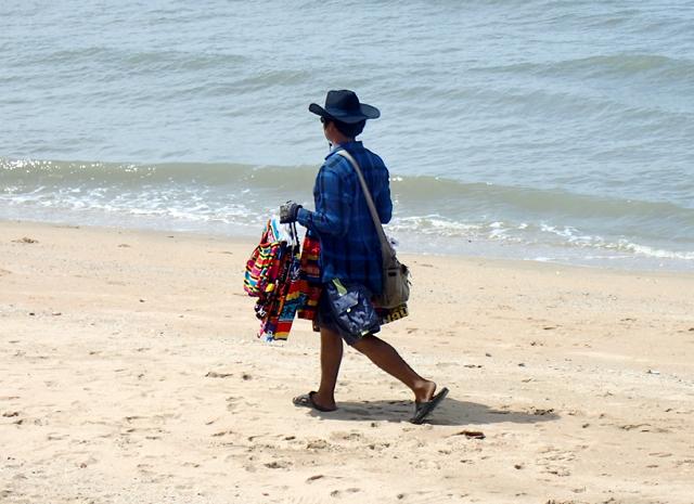 ジョムティエンビーチの行商