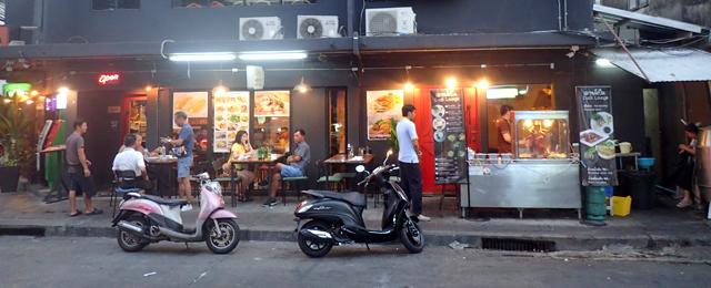 バンコク市内の飲食店事情