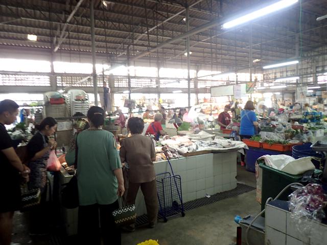 Soi Prachum Market