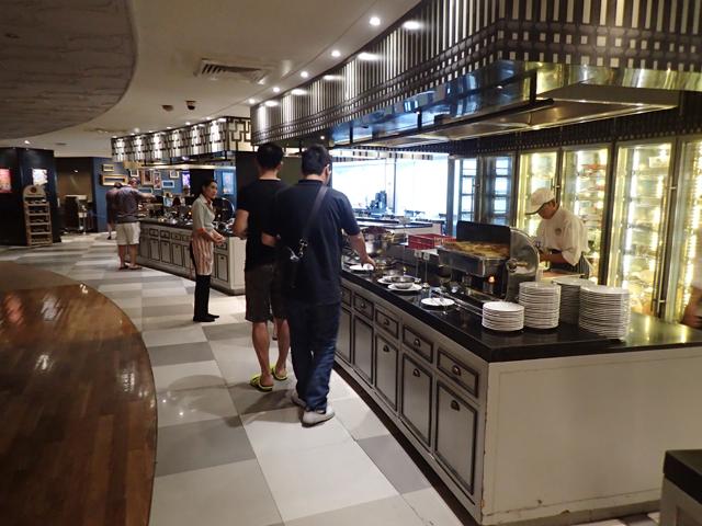 Narai Hotel buffet