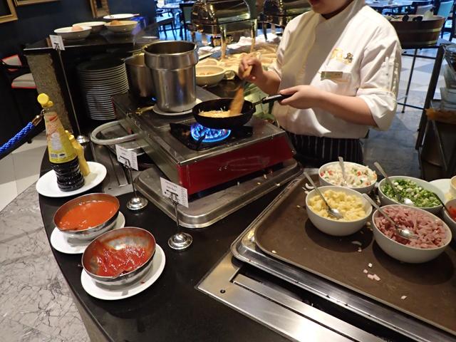 ナライホテルの朝食オムレツ