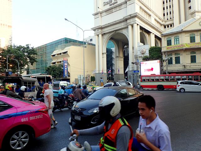 バンコク夕方の道路渋滞