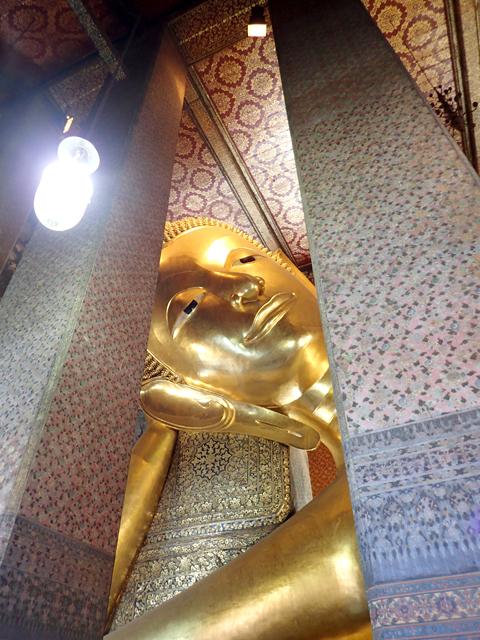 ワット・ポー涅槃像の顔正面