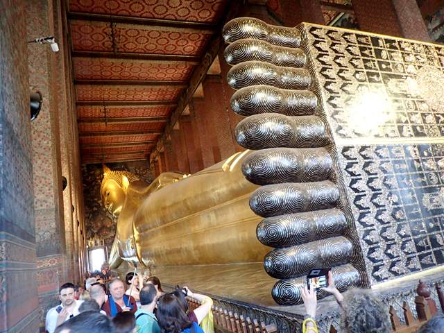 ワット・ポー涅槃像の前面