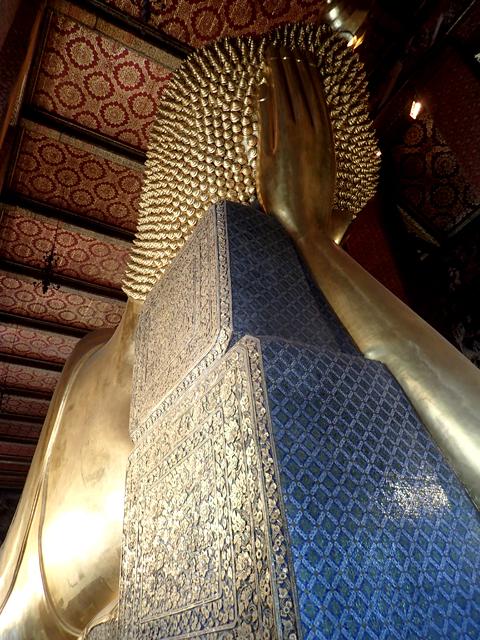 ワット・ポー涅槃像の後頭部横