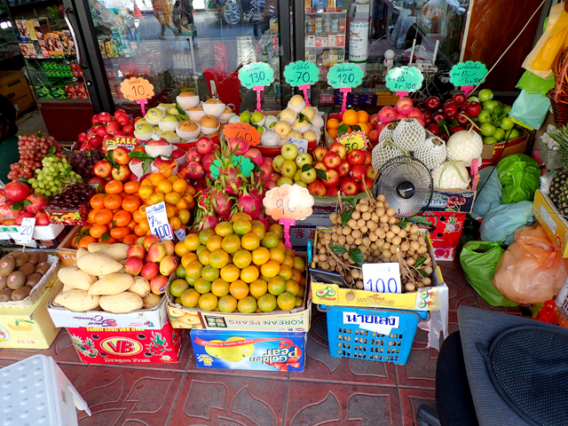 パーククローン市場近くのフルーツ売り場