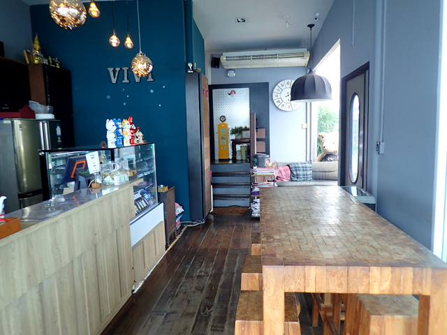 『ViVi The Coffee Place』の店内1