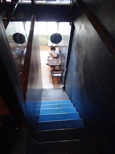 Blue Whale Cafe(Blue Whale Maharaj-Wat Pho.)の階段