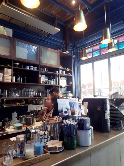 Blue Whale Cafe(Blue Whale Maharaj-Wat Pho.)の厨房