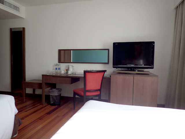 Narai Hotel Room