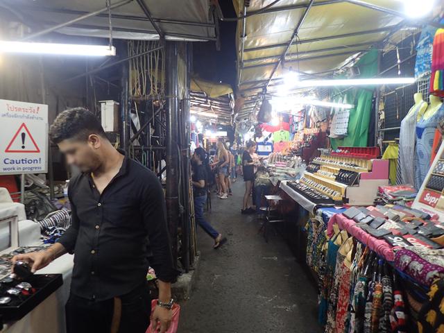 パッポン通りのナイトマーケット