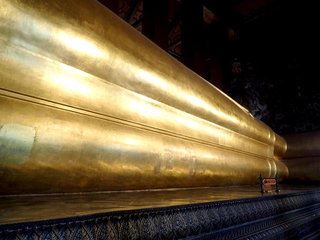ワット・ポー涅槃像の前足