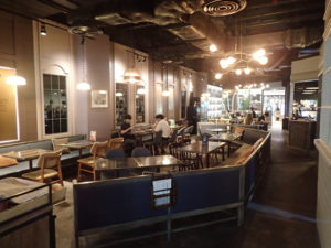 Casa Lapin Specialty Coffee x Central World店内