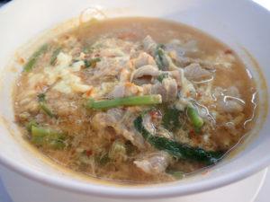 ドンムアン空港第2ターミナルすぐ上のフードコートのタイスキ麺