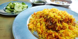 ムスリム・レストランのチキンビリヤニ